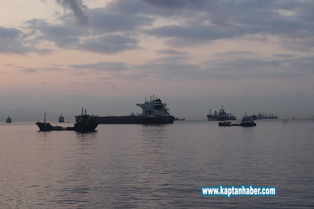 2019/08/zeytinburnunda-carpisan-gemiler-gunduz-goruntulendi-20190814AW77-2.jpg