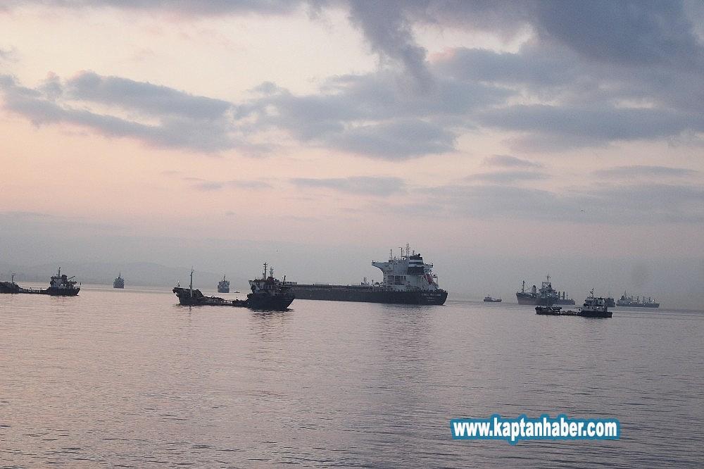 2019/08/zeytinburnunda-carpisan-gemiler-gunduz-goruntulendi-20190814AW77-3.jpg