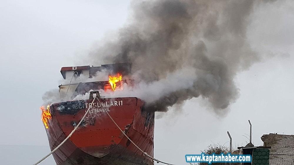 2020/01/kuru-yuk-gemisi-alev-alev-yandi-20200129AW92-1.jpg