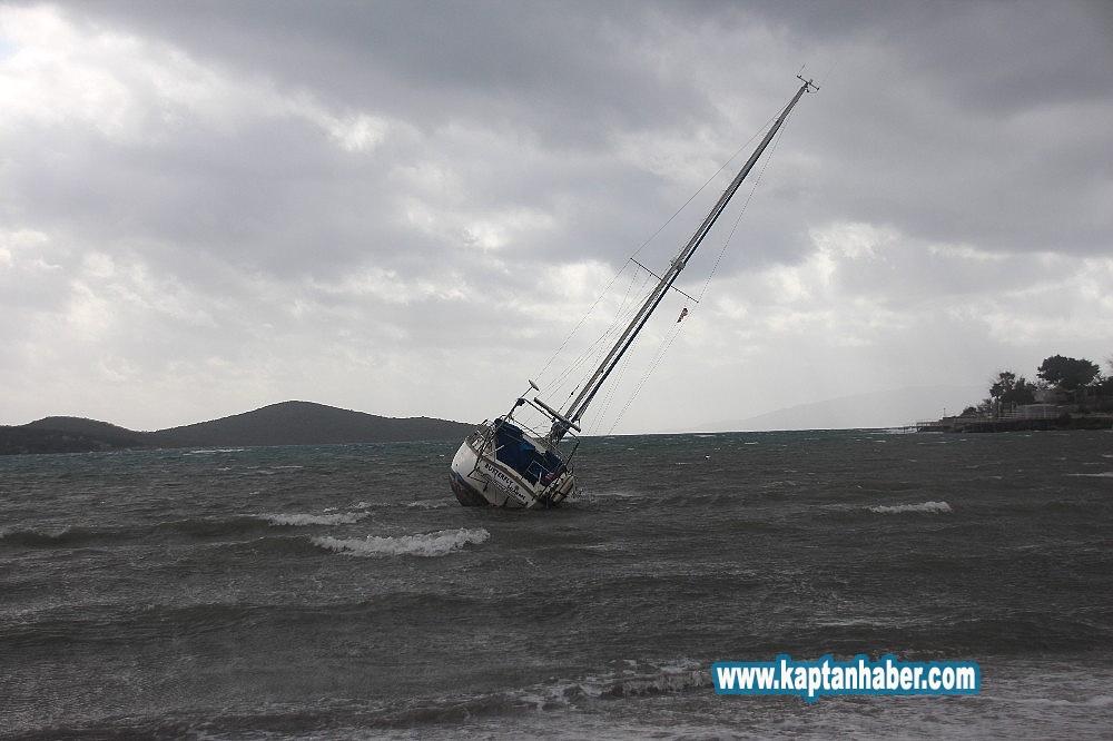 2020/02/firtina-tekneyi-karaya-surukledi-20200205AW92-5.jpg