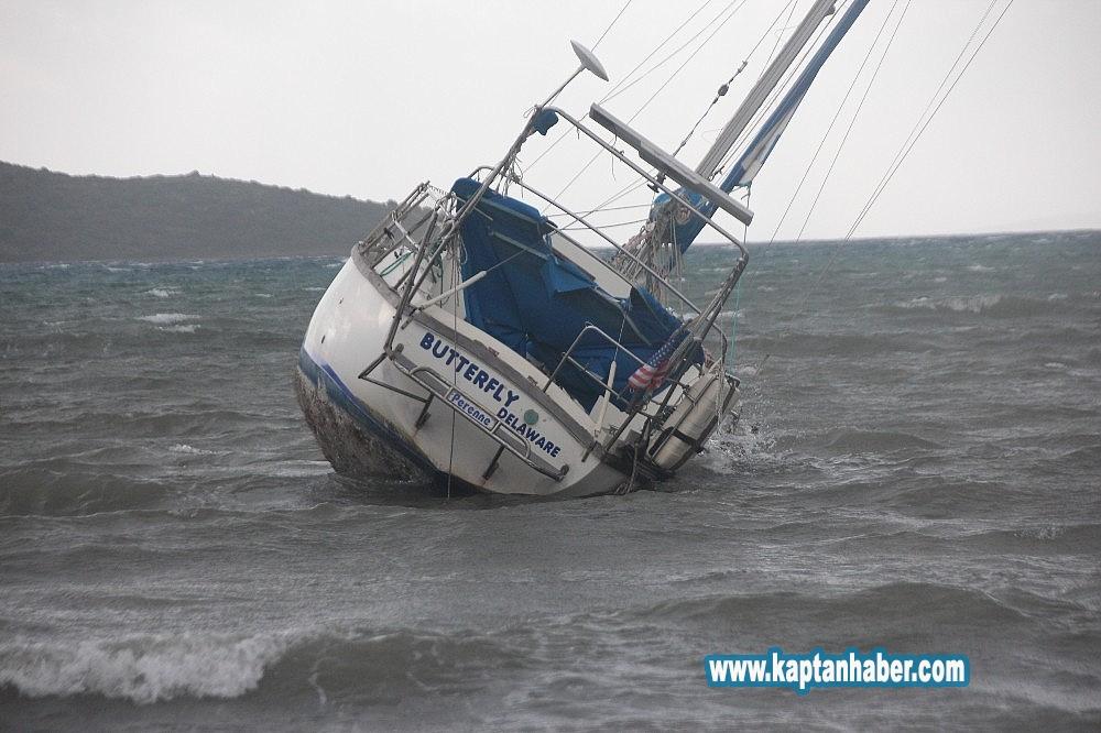 2020/02/firtina-tekneyi-karaya-surukledi-20200205AW92-6.jpg