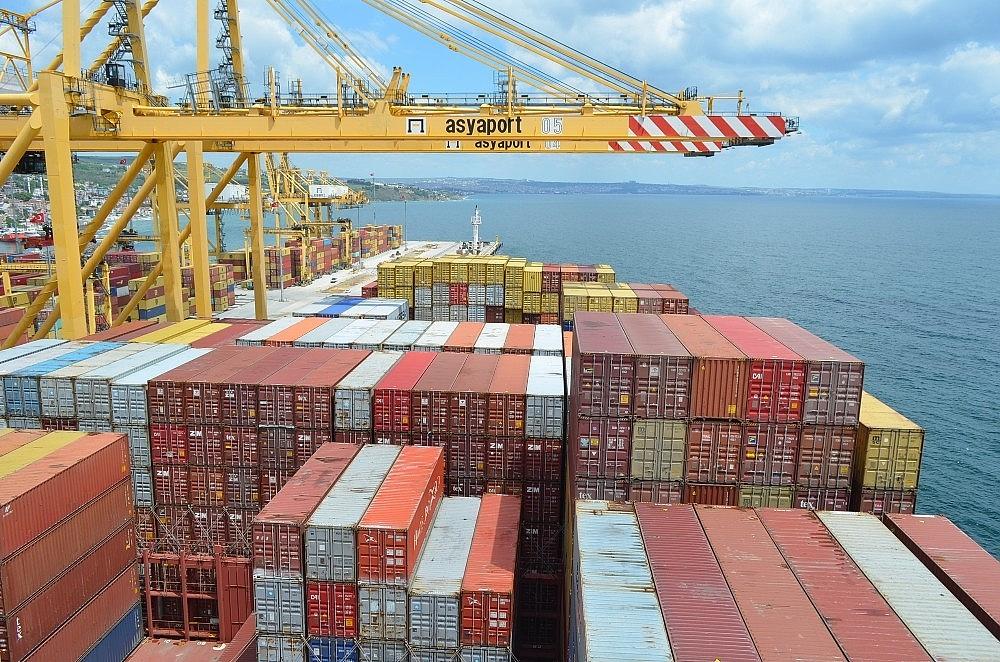 2020/05/dunyanin-en-buyuk-konteyner-gemisi-tekirdagda-20200522AW02-2.jpg