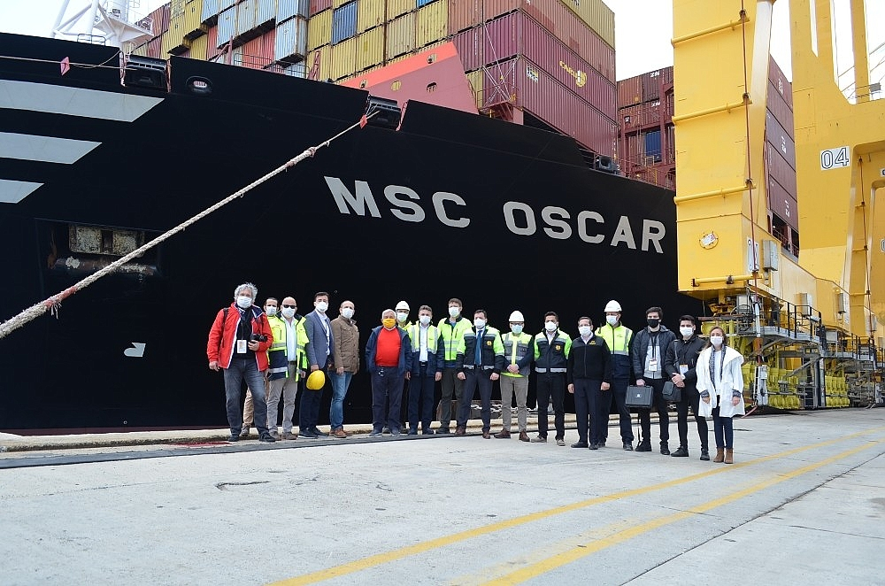2020/05/dunyanin-en-buyuk-konteyner-gemisi-tekirdagda-20200522AW02-4.jpg
