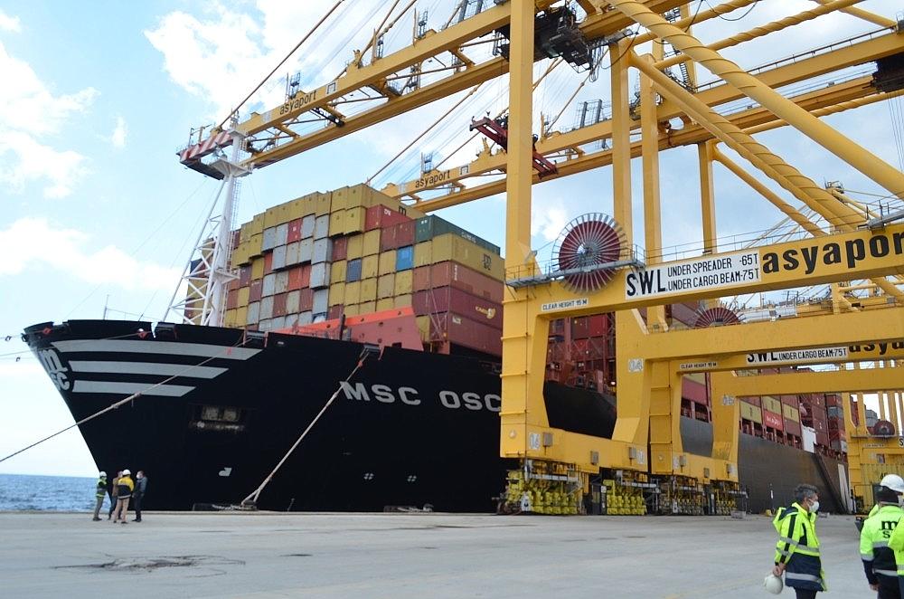 2020/05/dunyanin-en-buyuk-konteyner-gemisi-tekirdagda-20200522AW02-5.jpg