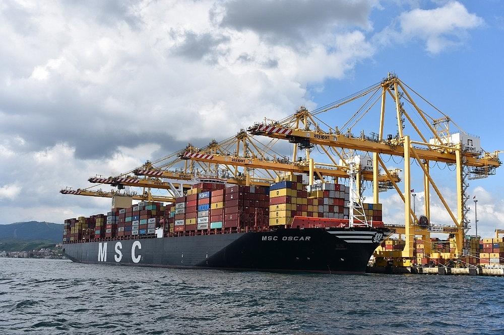 2020/05/dunyanin-en-buyuk-konteyner-gemisi-tekirdagda-20200522AW02-9.jpg