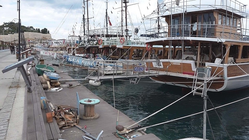 2020/05/ticari-yatlar-ve-gezi-tekneleri-1-haziranda-faaliyetlerine-yeniden-baslayacak-20200528AW02-1.jpg