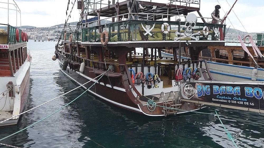 2020/05/ticari-yatlar-ve-gezi-tekneleri-1-haziranda-faaliyetlerine-yeniden-baslayacak-20200528AW02-3.jpg