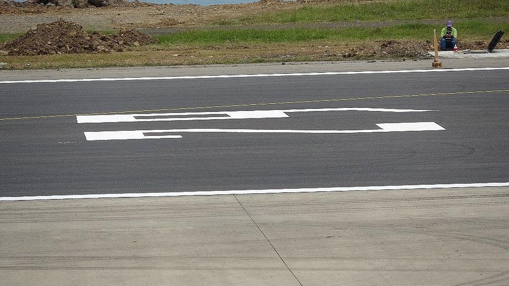 2020/05/trabzon-havalimaninda-pist-yenileme-calismalarinda-sona-gelindi-20200527AW02-1.jpg