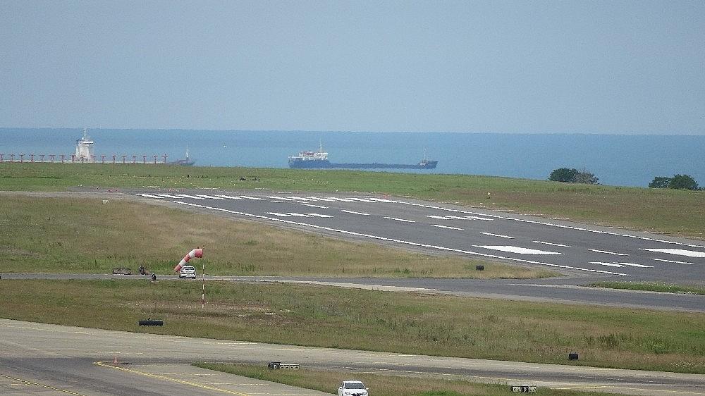 2020/05/trabzon-havalimaninda-pist-yenileme-calismalarinda-sona-gelindi-20200527AW02-3.jpg