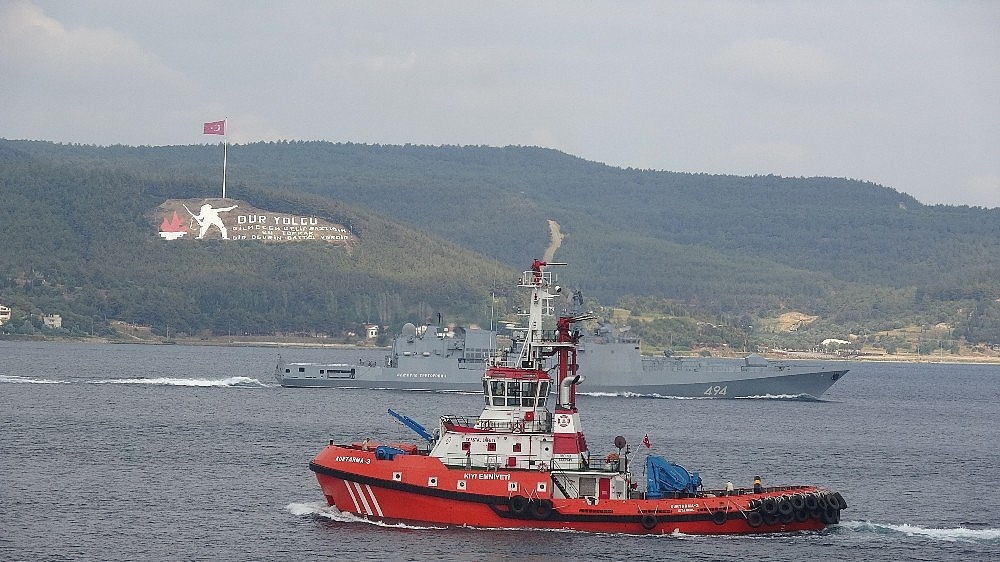 2020/06/rus-savas-gemisi-admiral-grigorovich-canakkale-bogazindan-gecti-20200626AW05-1.jpg