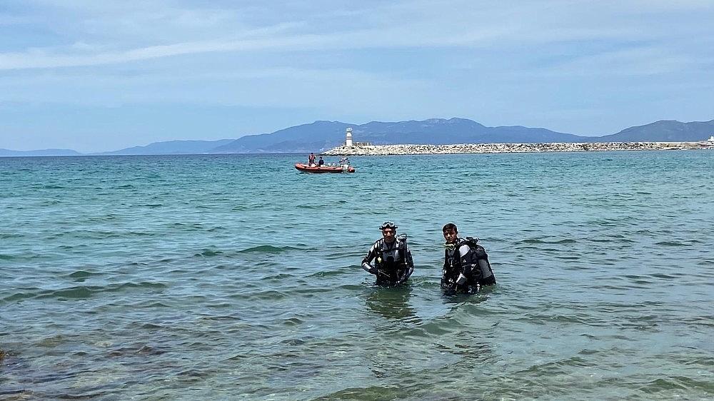 2020/06/sahil-guvenlik-ekipleri-kusadasinda-dunya-cevre-gunu-etkinligi-duzenledi-20200605AW03-3.jpg