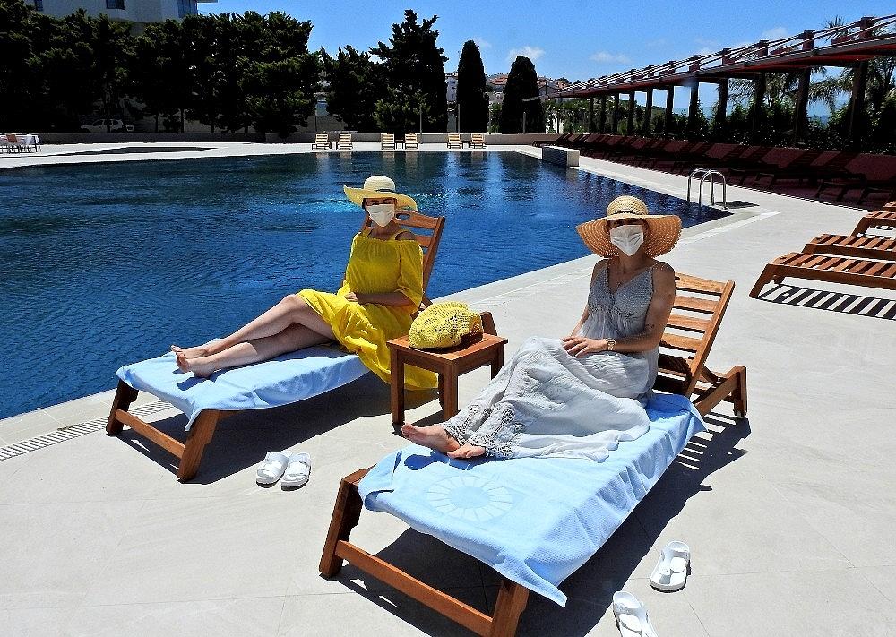 2020/06/unlu-tatil-merkezi-cesmedeki-oteller-saglikli-tatil-icin-hazir-20200605AW03-1.jpg