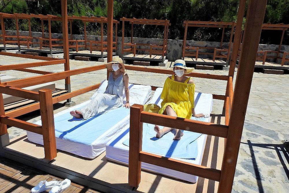 2020/06/unlu-tatil-merkezi-cesmedeki-oteller-saglikli-tatil-icin-hazir-20200605AW03-7.jpg
