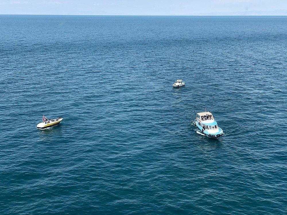 2020/07/gocmenleri-tasiyan-batik-tekneyi-arama-calismalari-devam-ediyor-20200701AW05-10.jpg