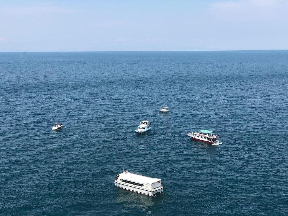 2020/07/gocmenleri-tasiyan-batik-tekneyi-arama-calismalari-devam-ediyor-20200701AW05-11.jpg