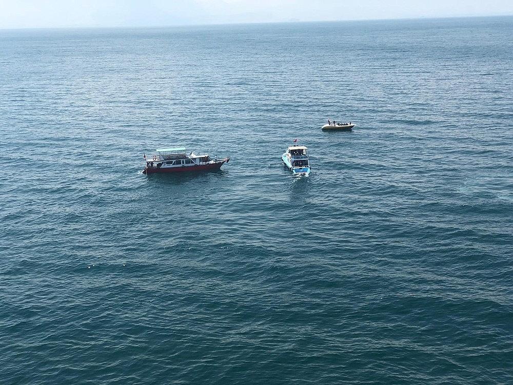2020/07/gocmenleri-tasiyan-batik-tekneyi-arama-calismalari-devam-ediyor-20200701AW05-12.jpg