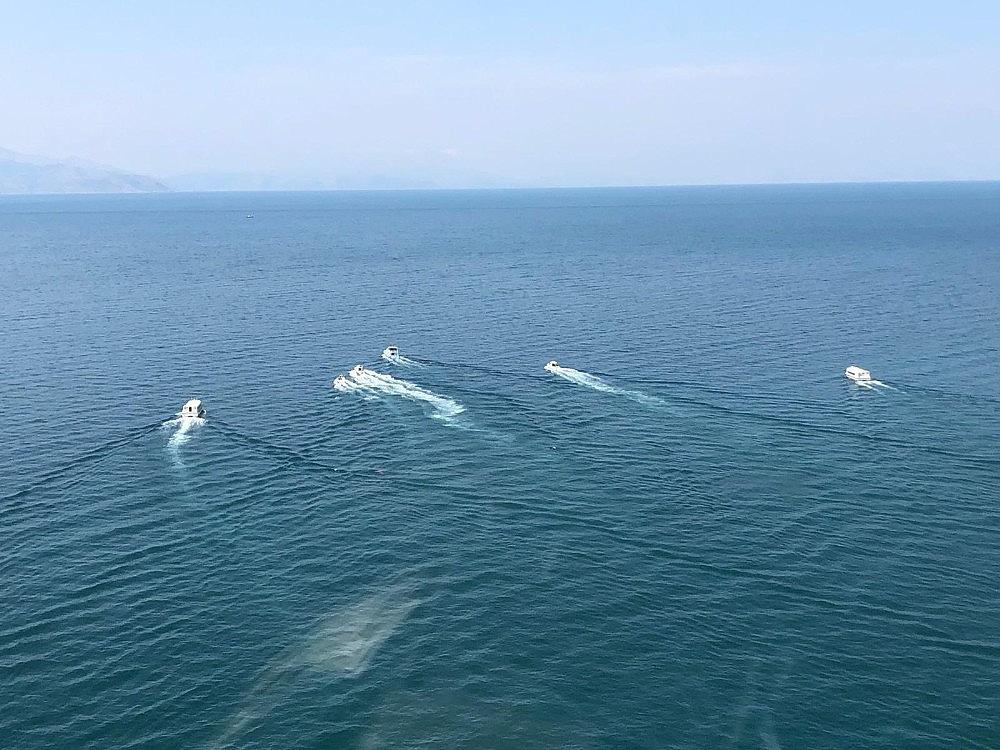 2020/07/gocmenleri-tasiyan-batik-tekneyi-arama-calismalari-devam-ediyor-20200701AW05-7.jpg