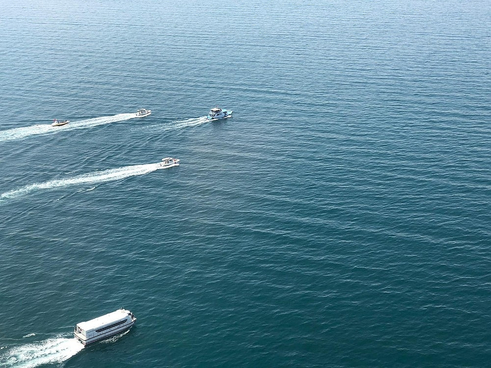 2020/07/gocmenleri-tasiyan-batik-tekneyi-arama-calismalari-devam-ediyor-20200701AW05-8.jpg