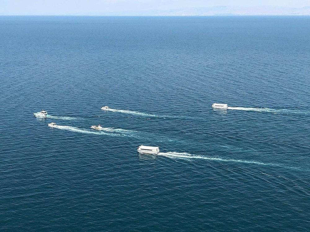 2020/07/gocmenleri-tasiyan-batik-tekneyi-arama-calismalari-devam-ediyor-20200701AW05-9.jpg