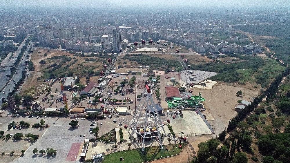 2020/07/turkiyenin-en-buyuk-donme-dolabi-lunapark-izniyle-birlikte-kapilarini-acti-20200706AW06-1.jpg