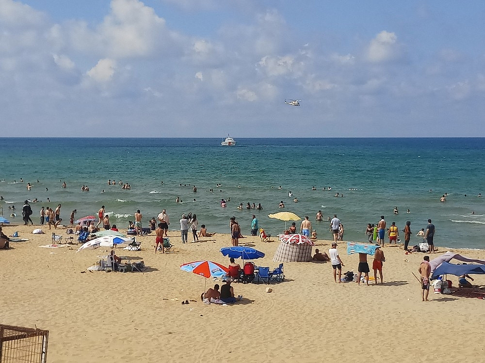 2020/08/sahil-guvenlik-komutanligi-ekiplerinden-sosyal-mesafe-uyarisi-20200801AW08-2.jpg