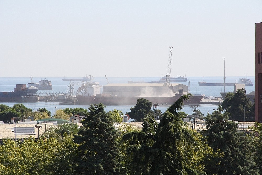 2020/08/samsun-limani-toz-duman-20200806AW08-1.jpg