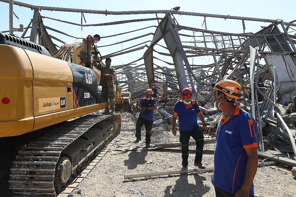 2020/08/turk-ekiplerin-beyrut-limanindaki-arama-kurtarma-faaliyetleri-suruyor-20200807AW08-1.jpg