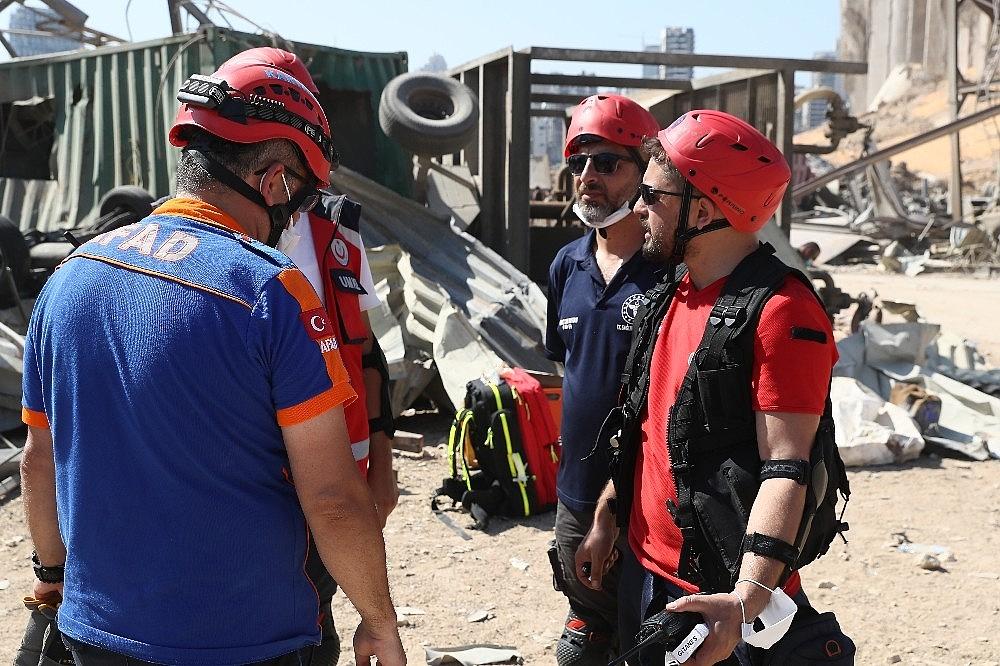 2020/08/turk-ekiplerin-beyrut-limanindaki-arama-kurtarma-faaliyetleri-suruyor-20200807AW08-4.jpg