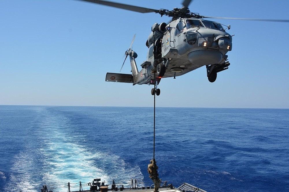 2020/08/turk-silahli-kuvvetleri-baglisi-firkateynler-ve-gorevli-personel-orta-akdenizde-egitim-yapti-20200803AW08-1.jpg