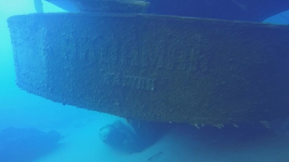 2020/08/van-golunde-rus-yapimi-yuk-gemisi-tarihin-izlerini-tasiyor-20200806AW08-9.jpg