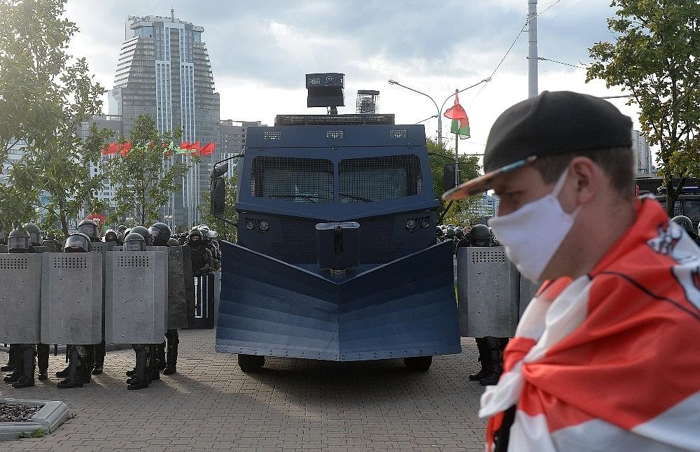 2020/09/belarustaki-protestolarda-gozalti-sayisi-400u-asti-20200913AW11-2.jpg