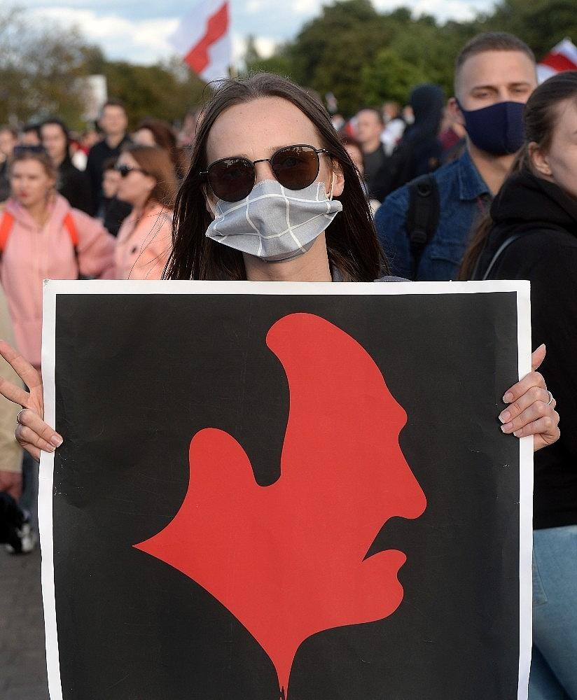 2020/09/belarustaki-protestolarda-gozalti-sayisi-400u-asti-20200913AW11-6.jpg