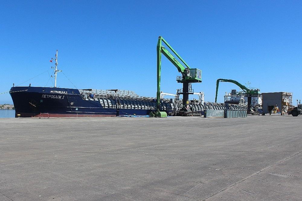 2020/09/giresun-limani-bolge-ihracatinin-yukunu-sirtliyor-20200907AW10-2.jpg