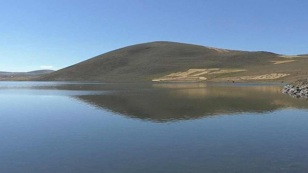 2020/09/karsta-denizden-2-bin-300-metre-yukseklikteki-gol-sessizlige-burundu-20200914AW11-3.jpg