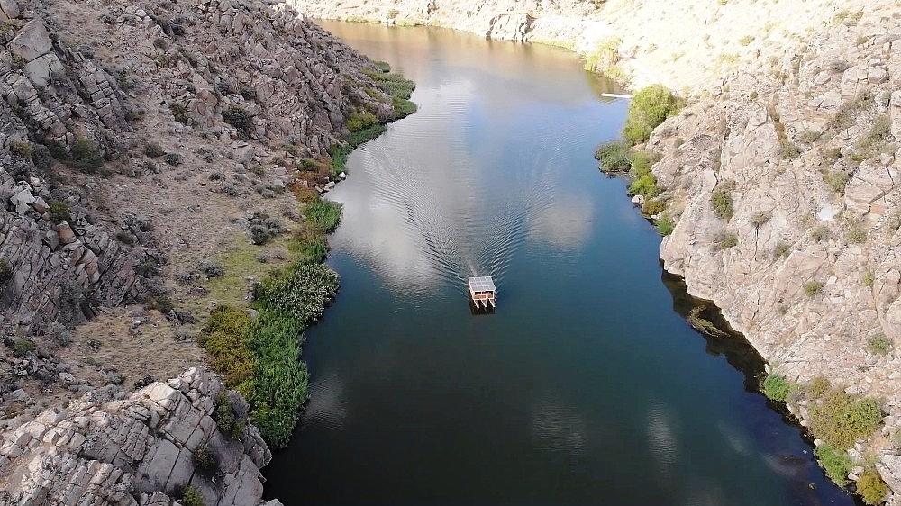 2020/09/tarih-ve-doganin-bir-arada-oldugu-kanyonda-tekne-turu-keyfi-20200906AW10-2.jpg