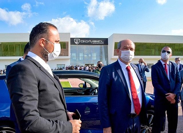 2020/10/cumhurbaskani-ersin-tatar-kktcnin-yerli-otomobili-ile-test-surusu-gerceklestirdi-20201029AW15-1.jpg