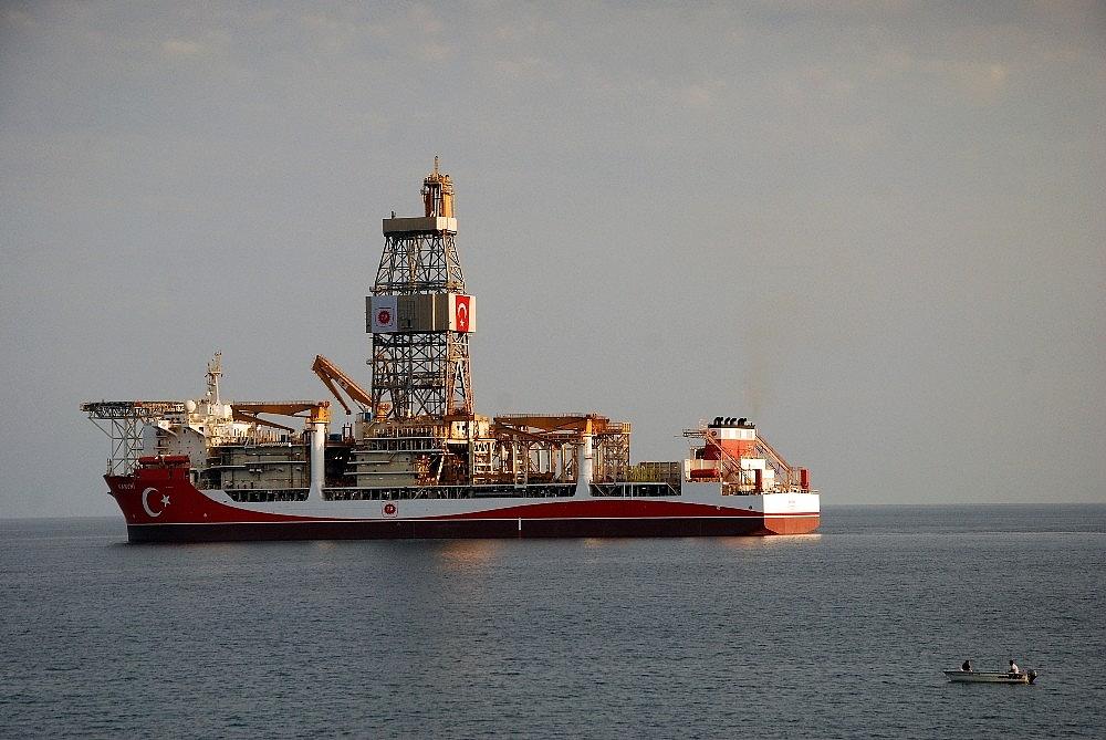 2020/10/kanuni-sondaj-gemisi-mersinden-demir-aldi-20201013AW13-1.jpg