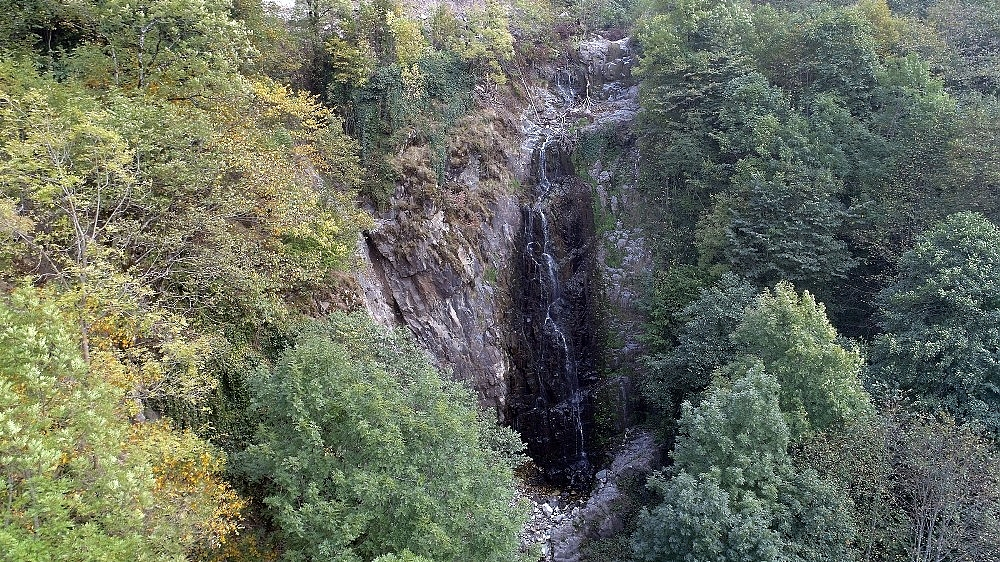 2020/10/kaya-mezarlari-ve-takim-selaleleri-icin-turizm-yolu-20201026AW14-2.jpg