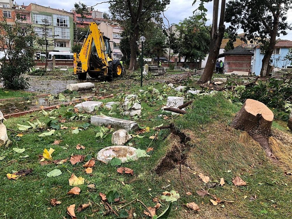 2020/10/tekirdagin-marmaraeregilisi-ilcesini-hortum-vurdu-20201008AW13-1.jpg