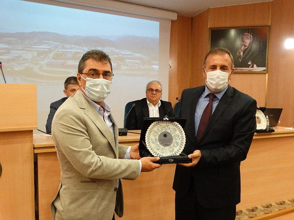 2020/10/turkiyenin-ilk-bin-ihracatci-firmasi-arasinda-trabzon-arsin-osbden-3-firma-yer-aldi-20201028AW15-1.jpg