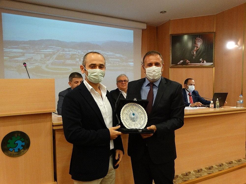 2020/10/turkiyenin-ilk-bin-ihracatci-firmasi-arasinda-trabzon-arsin-osbden-3-firma-yer-aldi-20201028AW15-2.jpg
