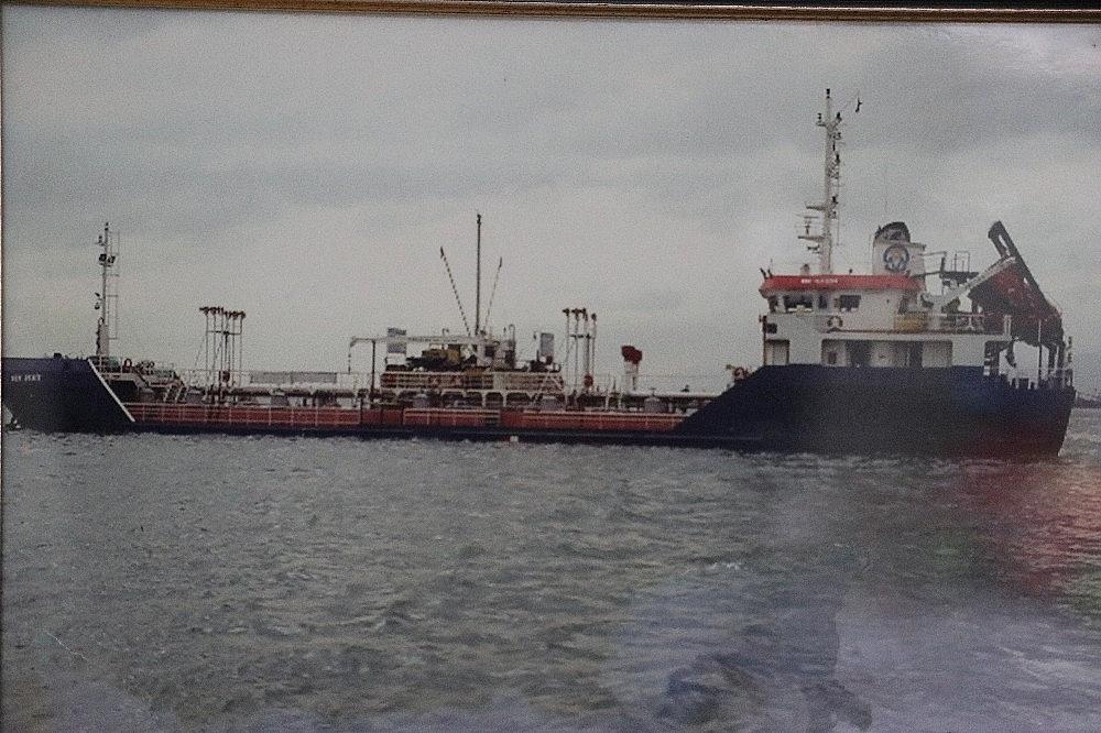 2020/12/12-yil-once-sattigi-gemisinden-kalan-paraya-el-koyan-avukatina-actigi-davayi-9-yil-sonra-kazandi-20201203AW18-3.jpg