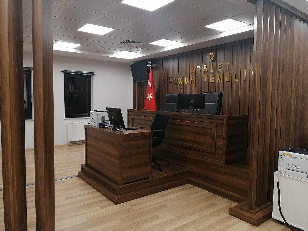 2021/01/adalet-bakani-abdulhamit-gulden-istanbul-havalimanindaki-adliyeye-gece-yarisi-ziyareti-20210116AW21-1.jpg