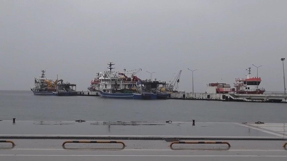 2021/01/gemiler-rota-degistirdi-balikcilar-acilamadi-20210113AW21-1.jpg