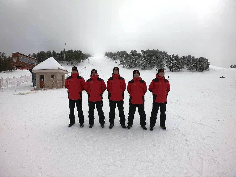 2021/01/murat-dagi-kayak-merkezindeki-jak-timleri-guven-veriyor-20210124AW22-1.jpg