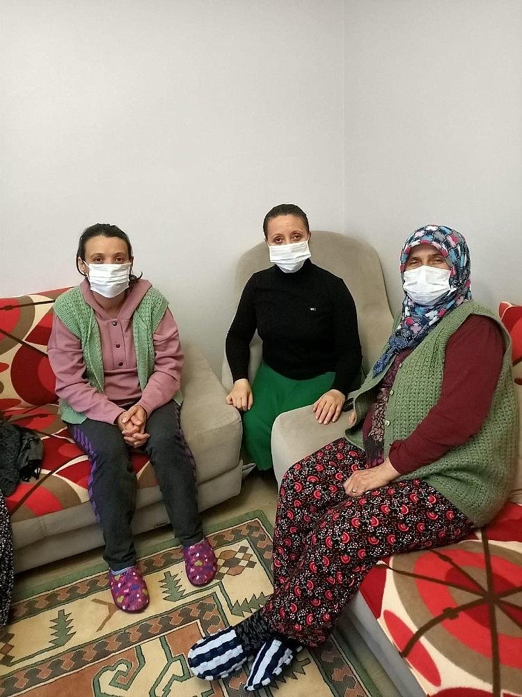 2021/01/turk-gemisinde-kacirilan-gokhan-burhanin-ailesi-cumhurbaskani-erdoganin-hayirli-haberlerini-bekliyor-20210124AW22-1.jpg