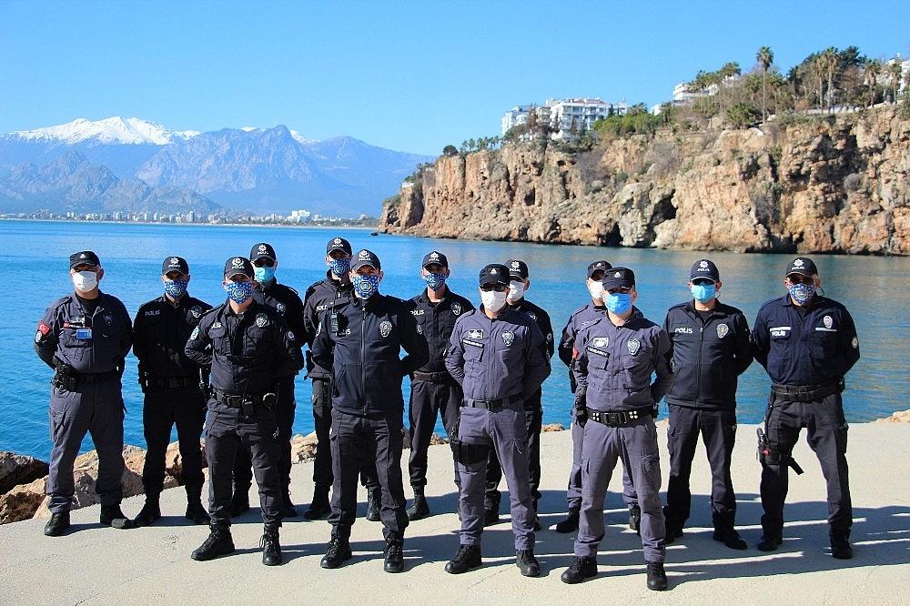 2021/02/deniz-polisi-elektronik-can-kurtarma-simidi-ile-hayat-kurtaracak-20210207AW23-11.jpg