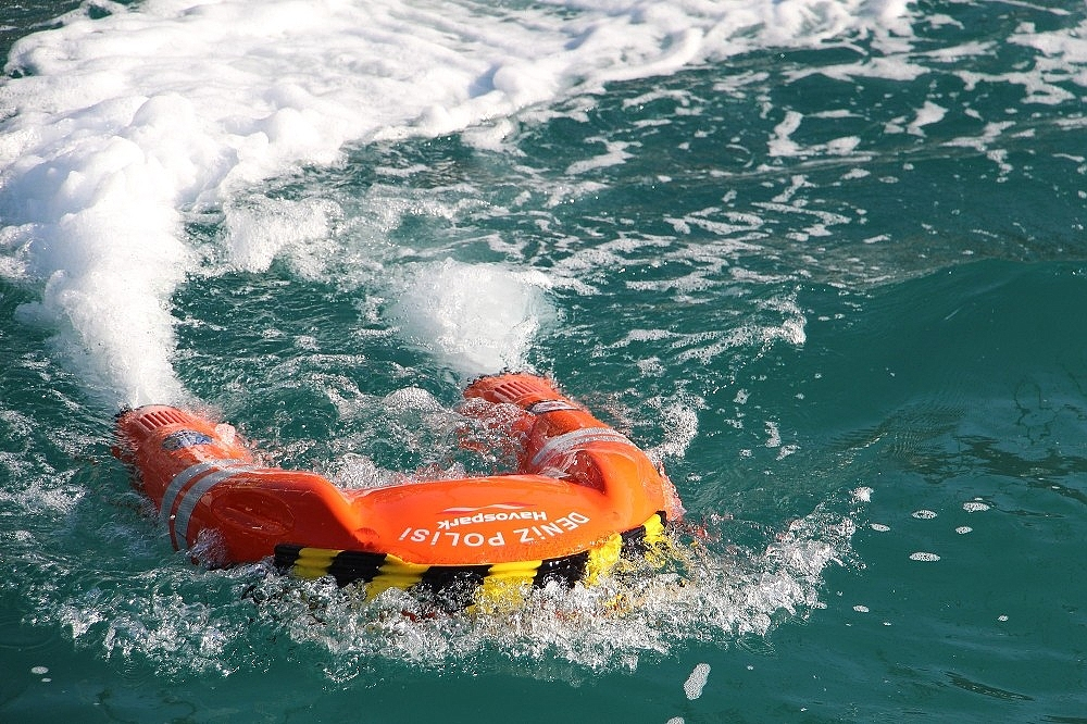 2021/02/deniz-polisi-elektronik-can-kurtarma-simidi-ile-hayat-kurtaracak-20210207AW23-2.jpg