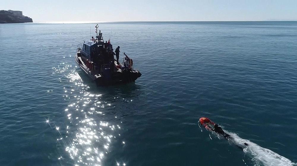 2021/02/deniz-polisi-elektronik-can-kurtarma-simidi-ile-hayat-kurtaracak-20210207AW23-7.jpg