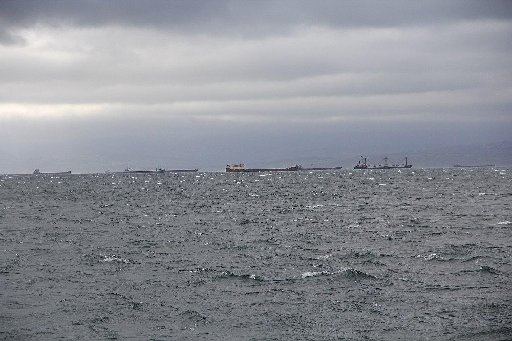 2021/02/firtinadan-kacan-gemiler-sinopa-sigindi-20210212AW24-6.jpg